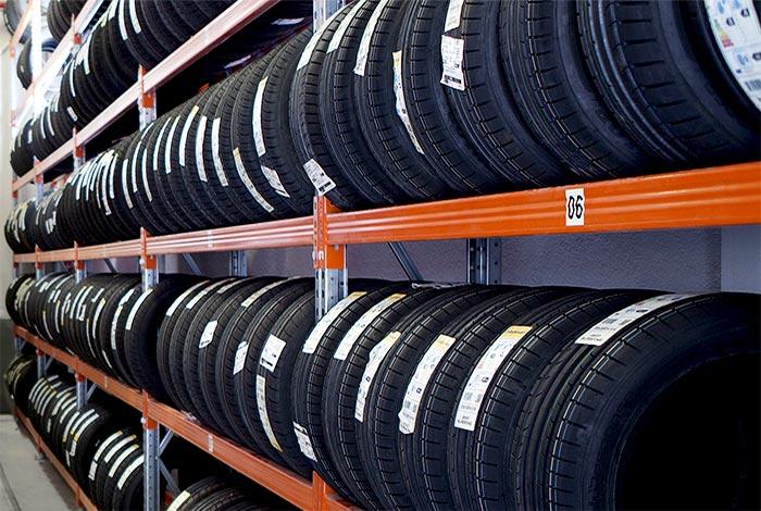 Industrielle-Regalsysteme-Lagerung-Reifen