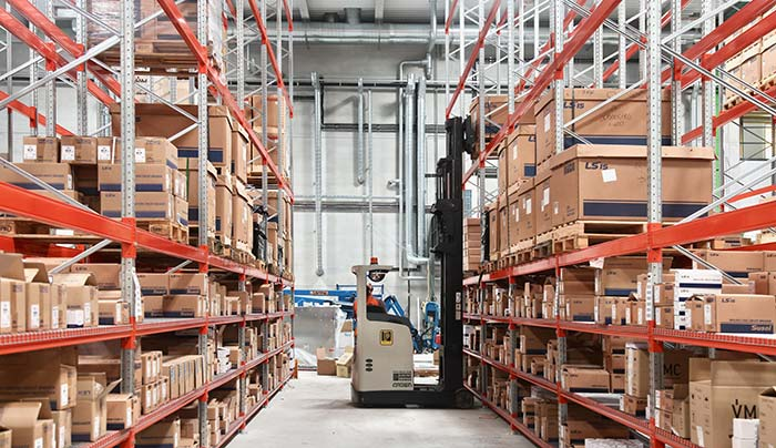 just-in-time-logistics-warehouse