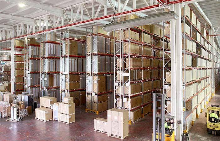 AR Racking installs at Efficold a pallet racking system adapted to its refrigeration equipment