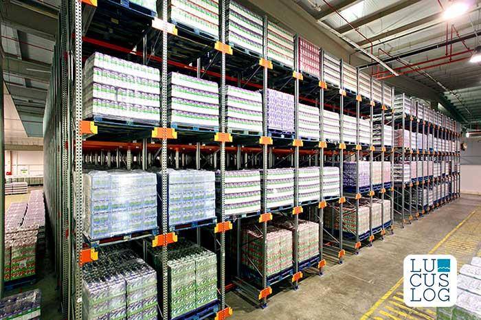 AR Racking installe l'usine de la société de stockage multi-clients Lucuslog à Lugo (Espagne)