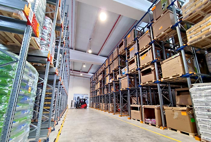 High-density storage solutions for the animal feed specialist Skretting