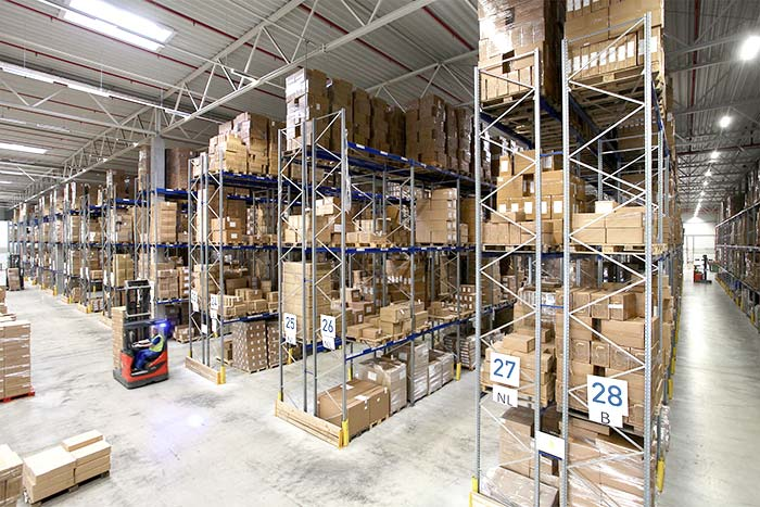 Vetten Gruppe optimizes its 21,500 m2 warehouse with our adjustable pallet racking