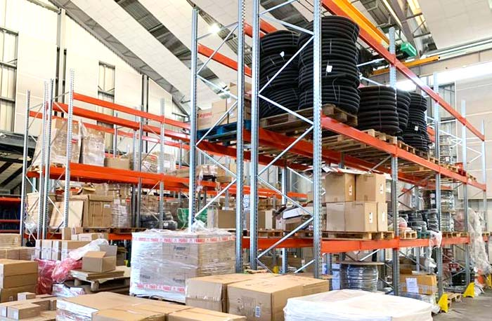 AR Racking equips the 109 Distribution Electrique warehouse in Reunion Island with ABC Équipement