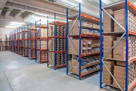 Longspan shelving picking