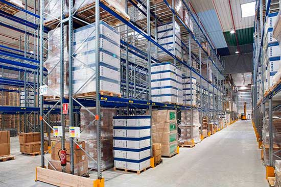 Conventional pallet racks